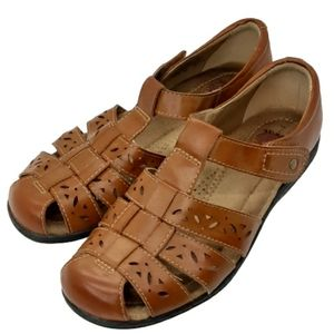 Earth Spirit brown fisherman sandals, size 7